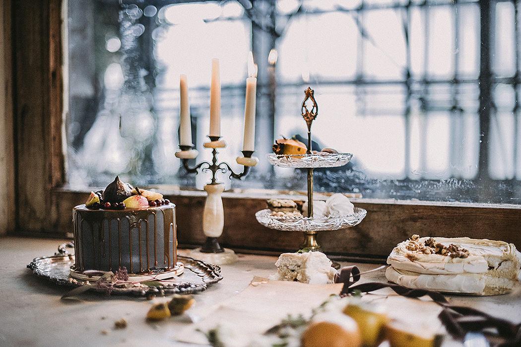 Небольшой сладкий стол в особняке Бруснициных
