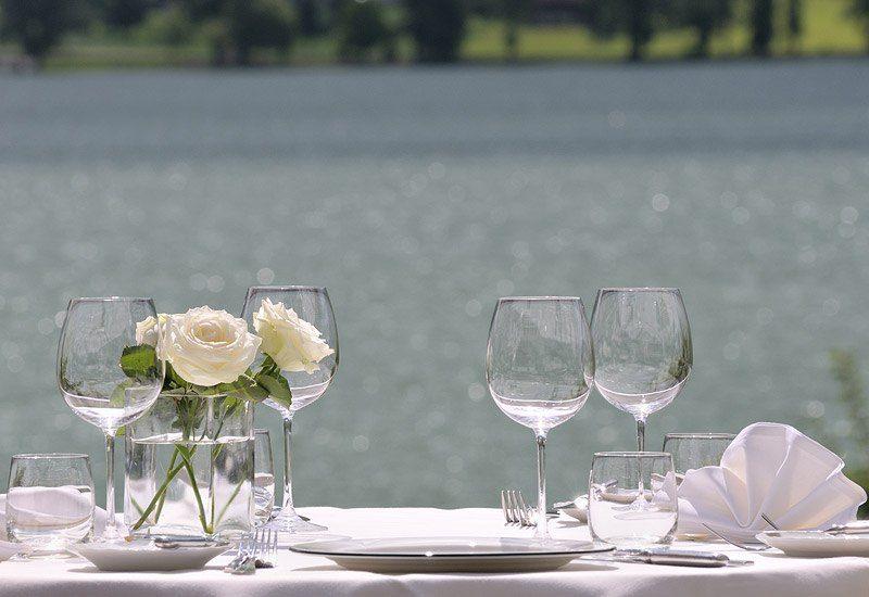 Beispiel: Terrasse am See, Foto: Parkhotel Waldheim am Sarnersee.
