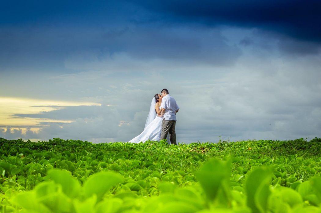 Mag Servant Wedding Photographer