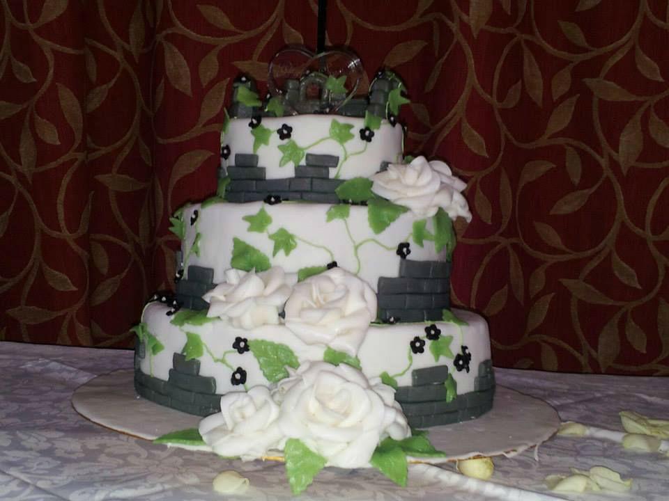 Beispiel: Hochzeitstorte, Foto: Burg Spielberg.