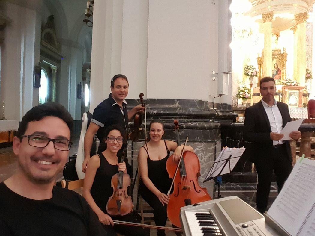 Piano, violín, viola, chelo y tenor