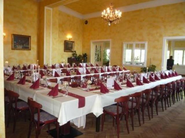 Beispiel: Innenraum - Tafel, Foto: Hotel am Petzsee.