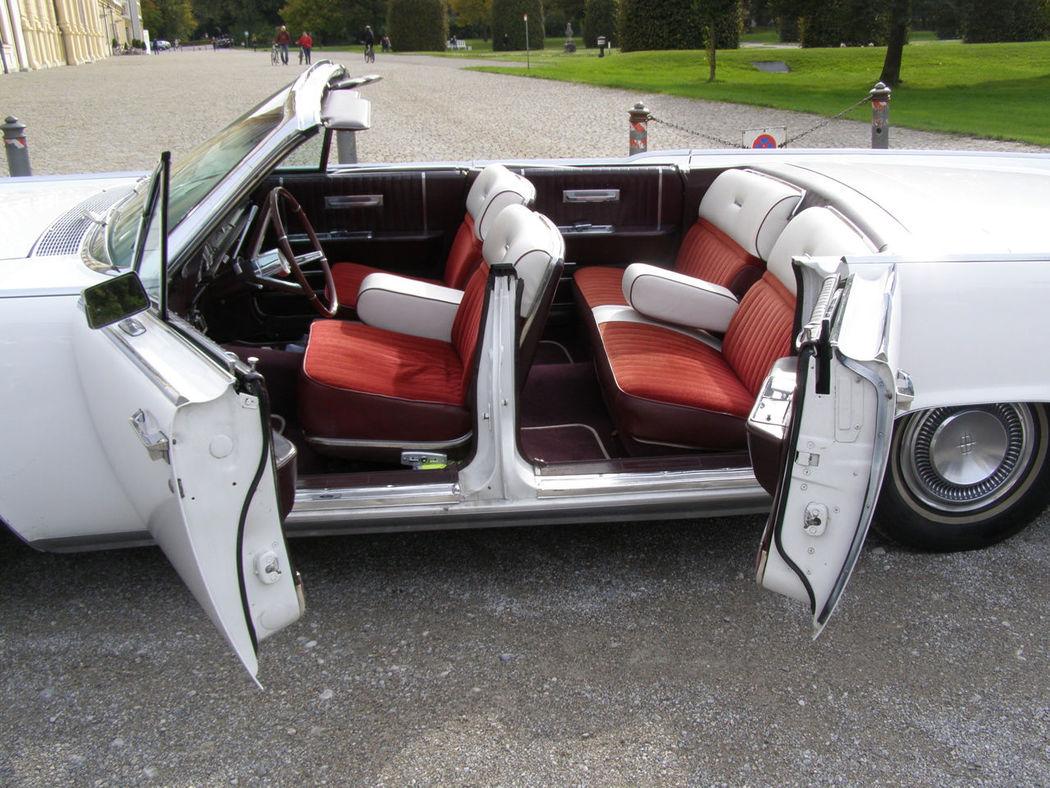 Ihr Hochzeitsauto mit Chauffeur: Lincoln Continental Convertible Foto: Classic Roadster München