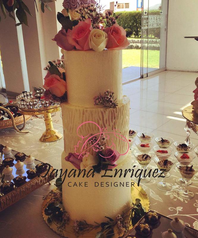Daenna Cakes