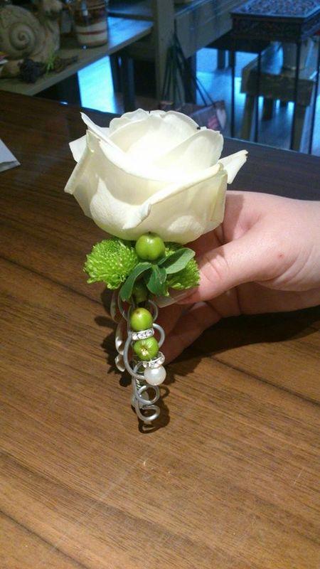 Beispiel: Anstecker, Foto: Blumerie Immergrün.