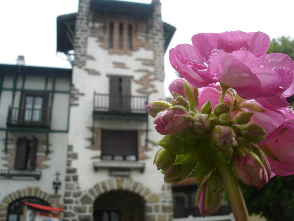 Hotel Ayestarán