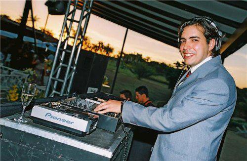 DJ Carlo Dee