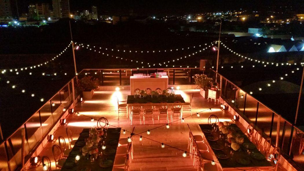 Boda en la terraza del hotel allure chocolate-Cartagena- Colombia
