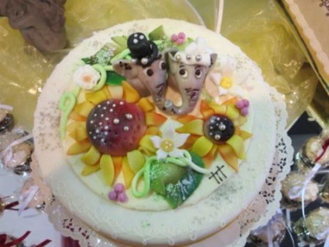 Beispiel: Die Torten zu Ihrer Hochzeit, Foto: monas-torten-art.ch.