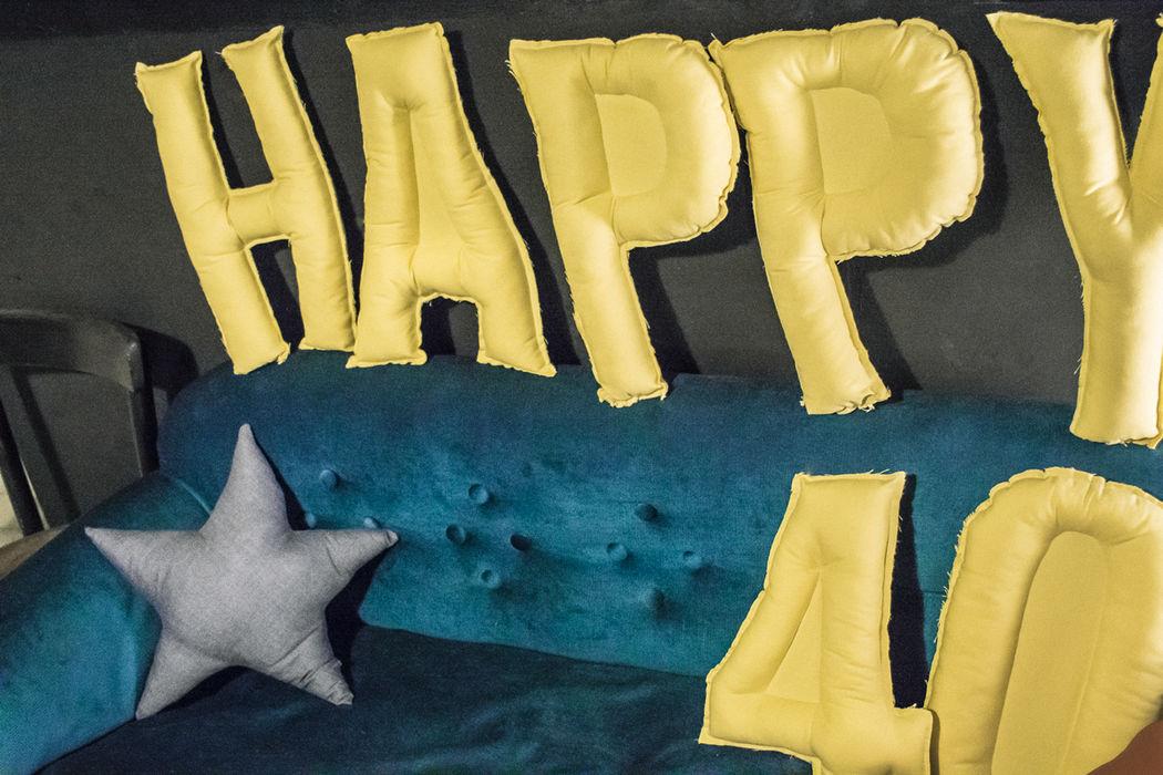 Letter Cushions Pillows by shöckinwindöws.com #HappyBirthday #happy40 #cumple #feliz40 #cumpleañosfeliz #deco #evento #party #handmade