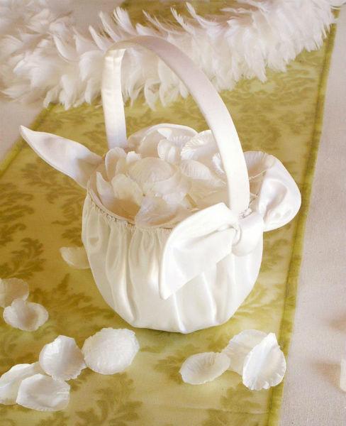 Beispiel: Hochzeitsaccessoires, Foto: Ja-Hochzeitsshop.