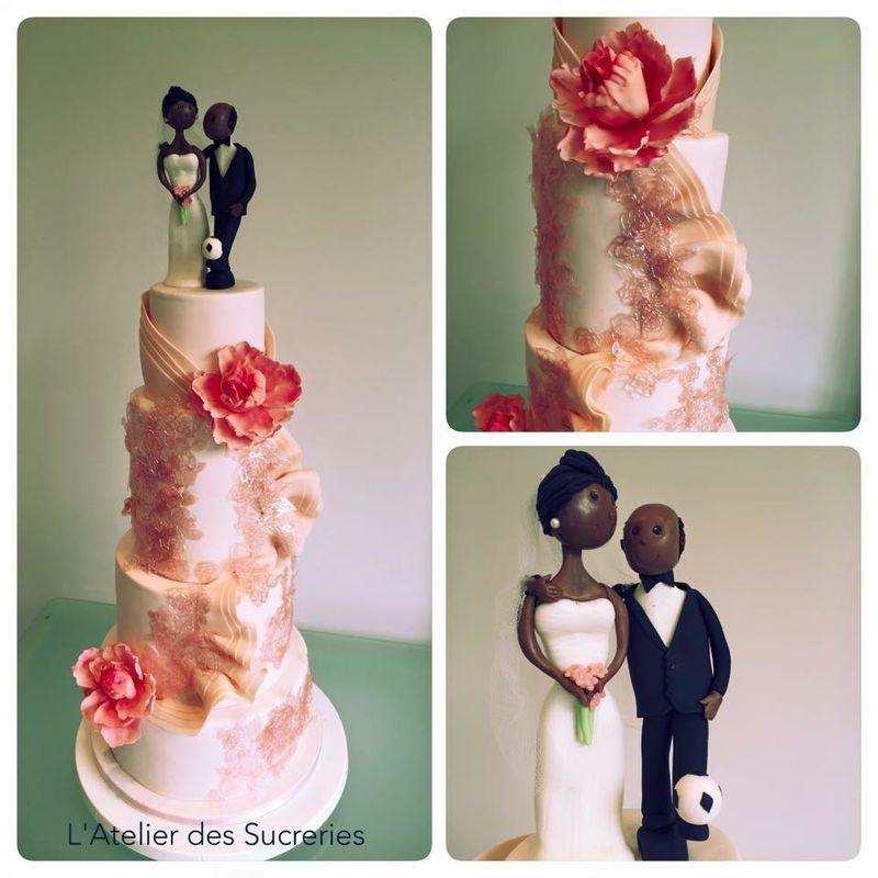 Wedding Cake sur mesure avec les mariées en sucre