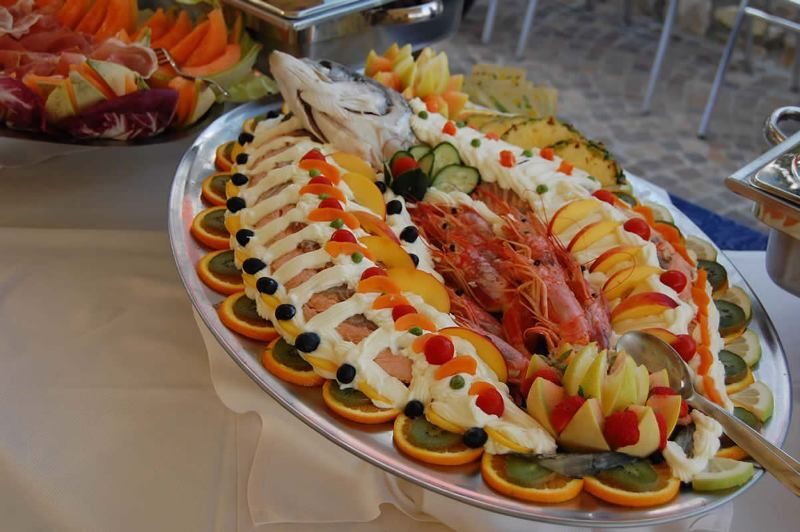 Salmone in bellavista a buffet