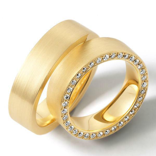 Beispiel: Goldring mit Diamantenverzierung, Foto: Juwelier Röder.