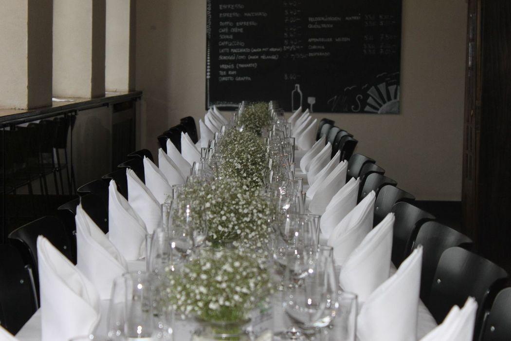 Beispiel: Tischdekoration, Foto: Villa Sunneschy.