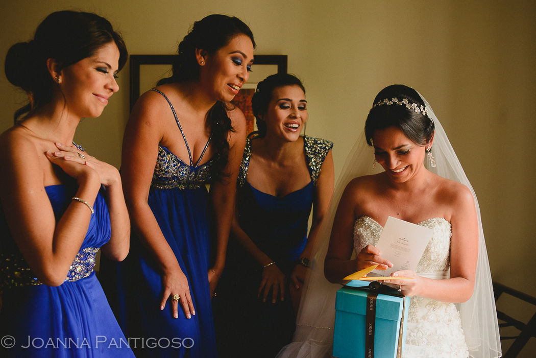 Carla & Hervé - Wedding - Lima, Perú Arreglo de novia en el Country Club de Lima