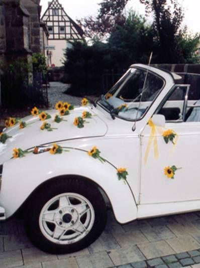 Beispiel: Autodekoration, Foto: Blumen Kuhn Floraldesign.