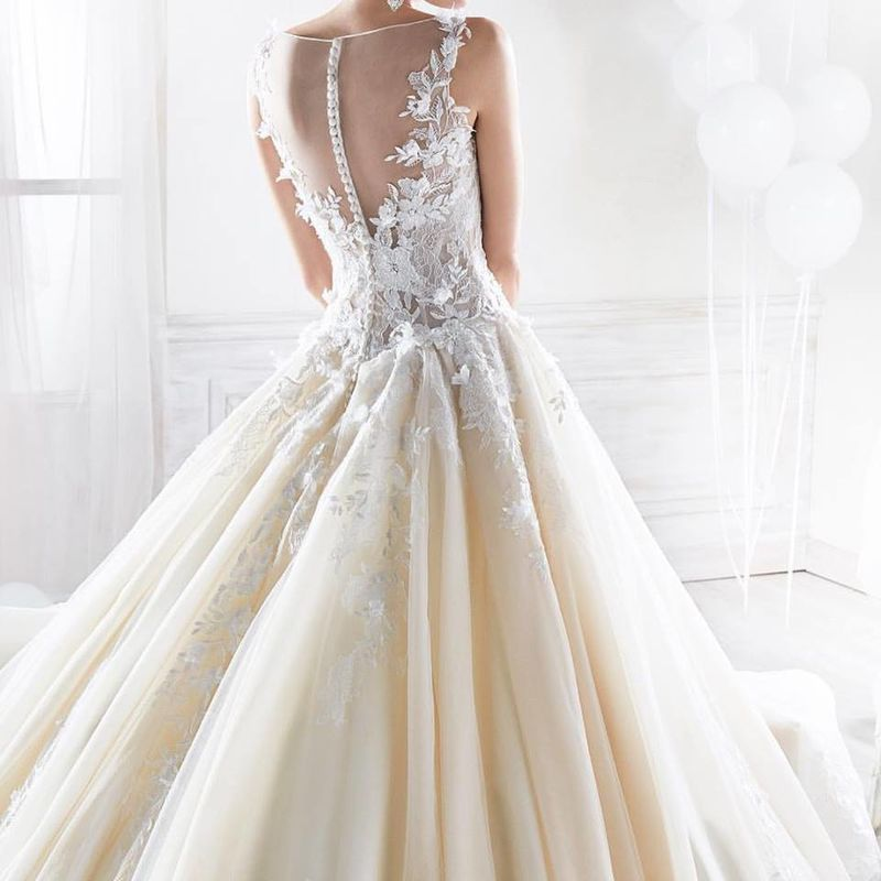 5f6704bb2288 Wedding Room Sposa by boutique Pastore Wedding Room Sposa by boutique  Pastore ...