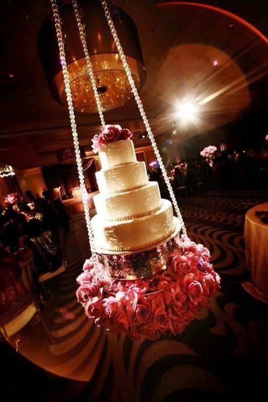 Pastel de boda en columpio