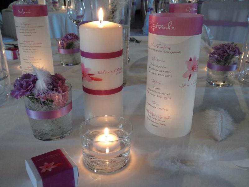Beispiel: Pink Lily Serie Tischdeko, Foto: Wedding Republic.