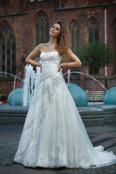 Brautmode Ester