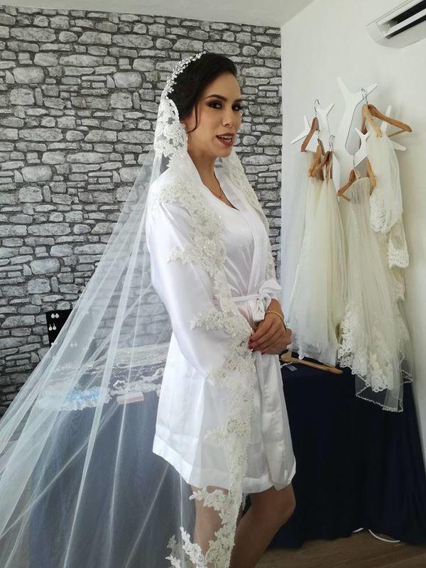Avania Salón Bride