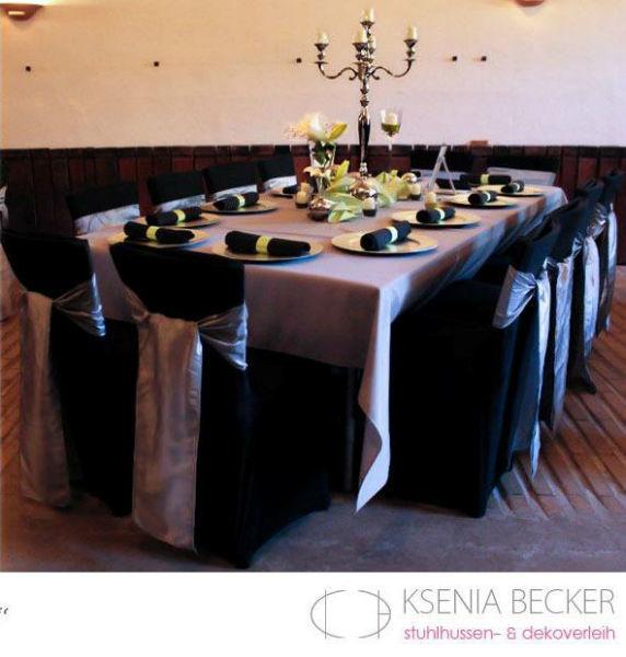Beispiel: Stuhlhussen schwarz, Foto: Ksenia Becker.