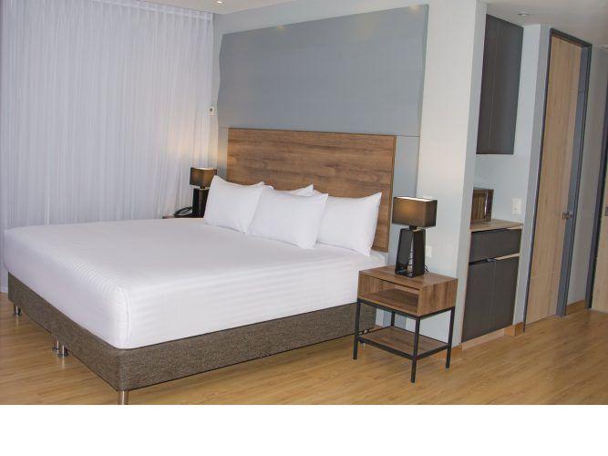 LQ Hotel by La Quinta Medellín