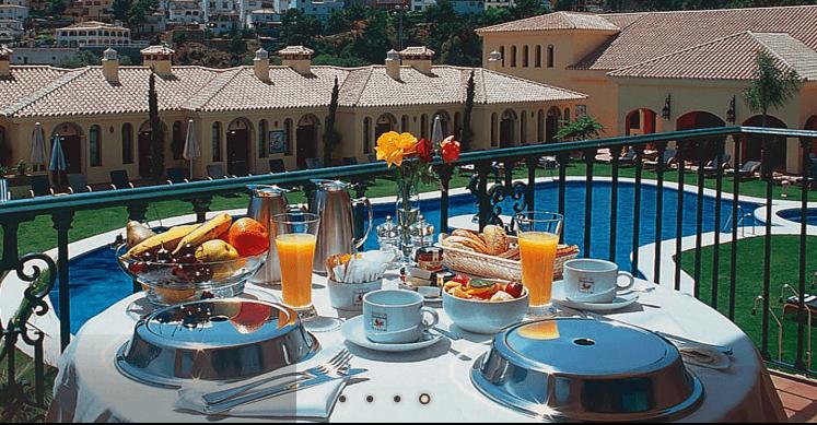 Vistas desde una habitación-Gran Hotel Benahavis