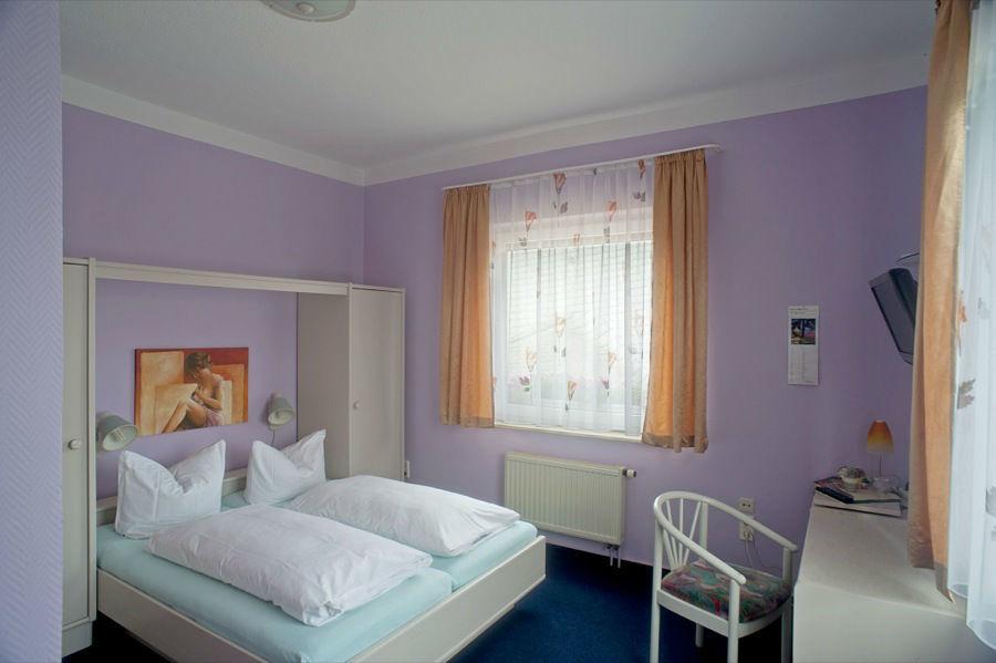 Beispiel: Zimmer, Foto: Hotel Kröllwitzer Hof.
