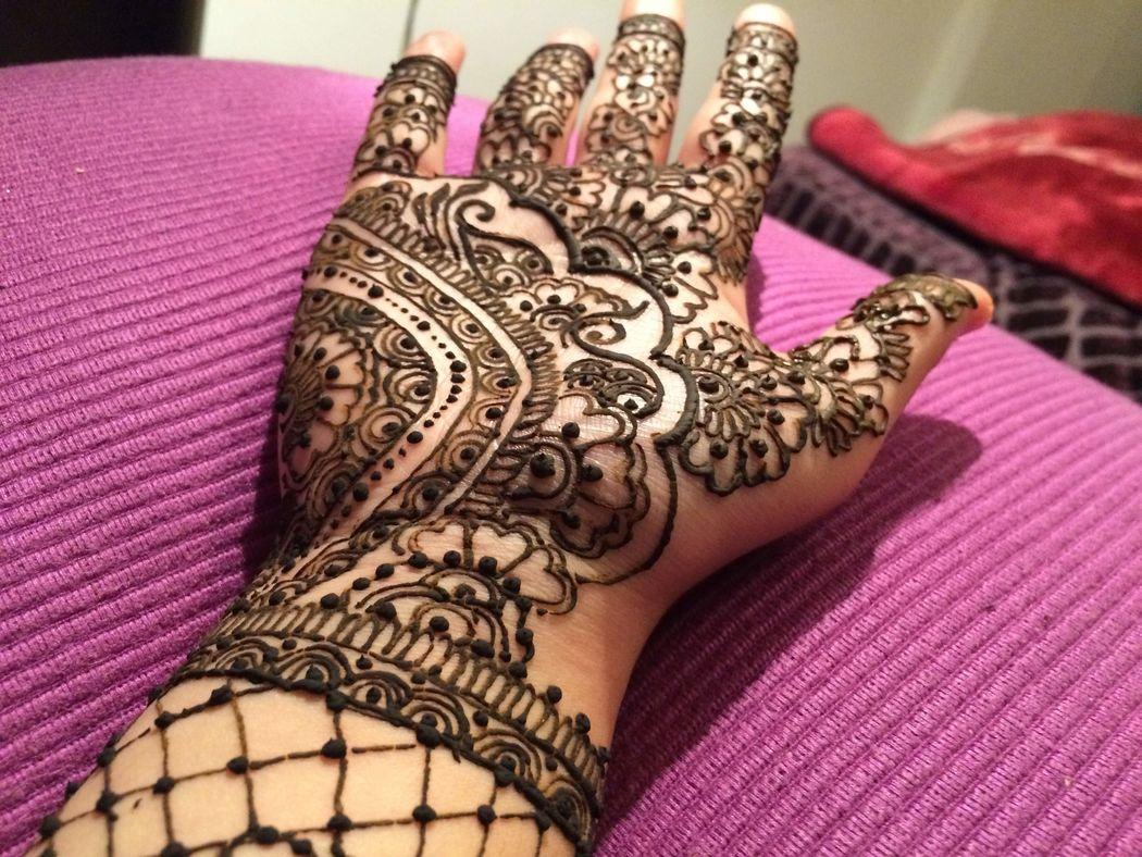 Henna by Shabina Essuf