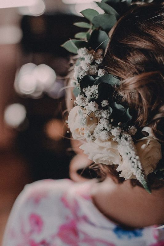 La fille aux fleurs