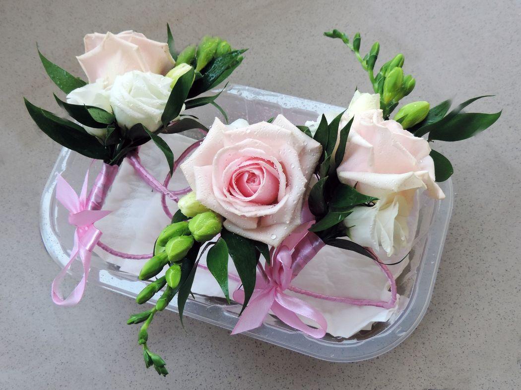 Kwiatowe bransoletki