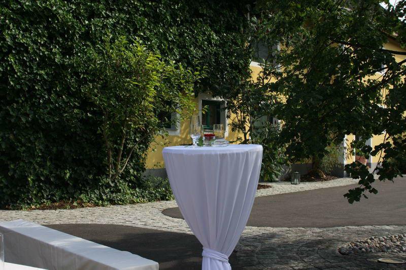 Beispiel: Außenbereich, Foto: Falkner Gwölb.