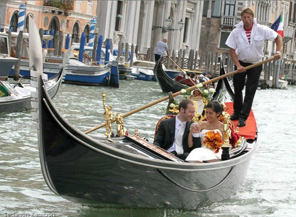 Matrimonio e Sposi in gondola a Venezia