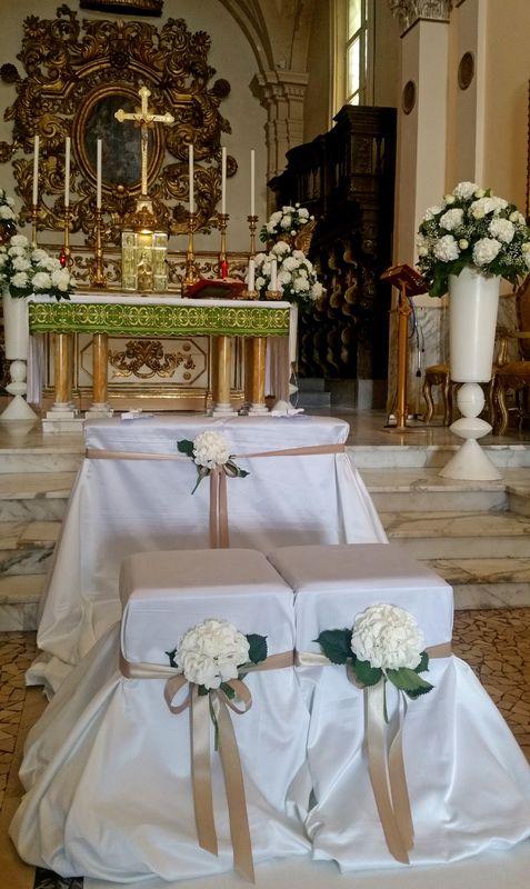 OGGI SPOSI A MATERA, la semplicità e l'eleganza della tradizione in bianco