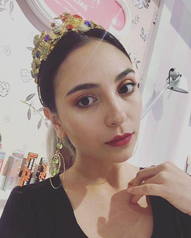Elizabeth Arboleda Make Up and Hair Artist
