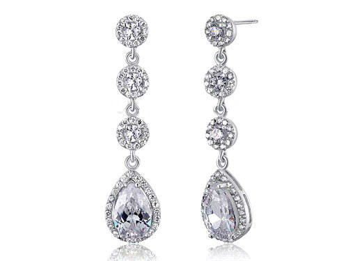 Boucles d'oreilles mariage bijou JOYAUBoucles d'oreilles de mariage pendantes style joaillerie en imitation diamants.  Sophistiqués et élégantes, elle mettront en valeur votre tenue ou votre robe de mariée.