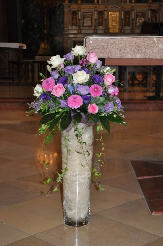 Beispiel: Altarvase, Foto: Toifl Blumen.
