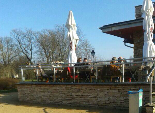 Beispiel: Terasse, Foto: Elbelandhaus Magdeburg.