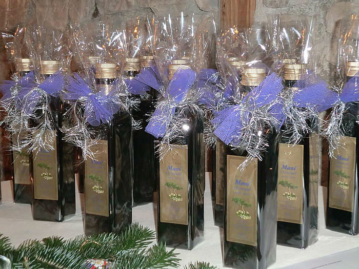 Beispiel: Wein als Gastgeschenk, Foto: Berghotel Tulbingerkogel.