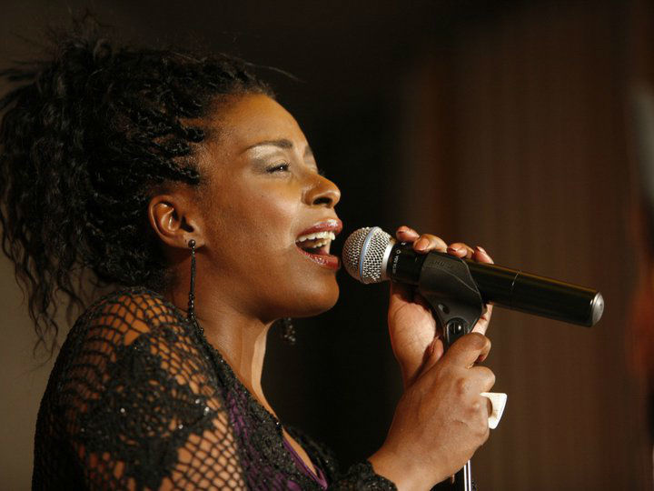 Beispiel: Gail Duncan, Foto: Word Up Music.