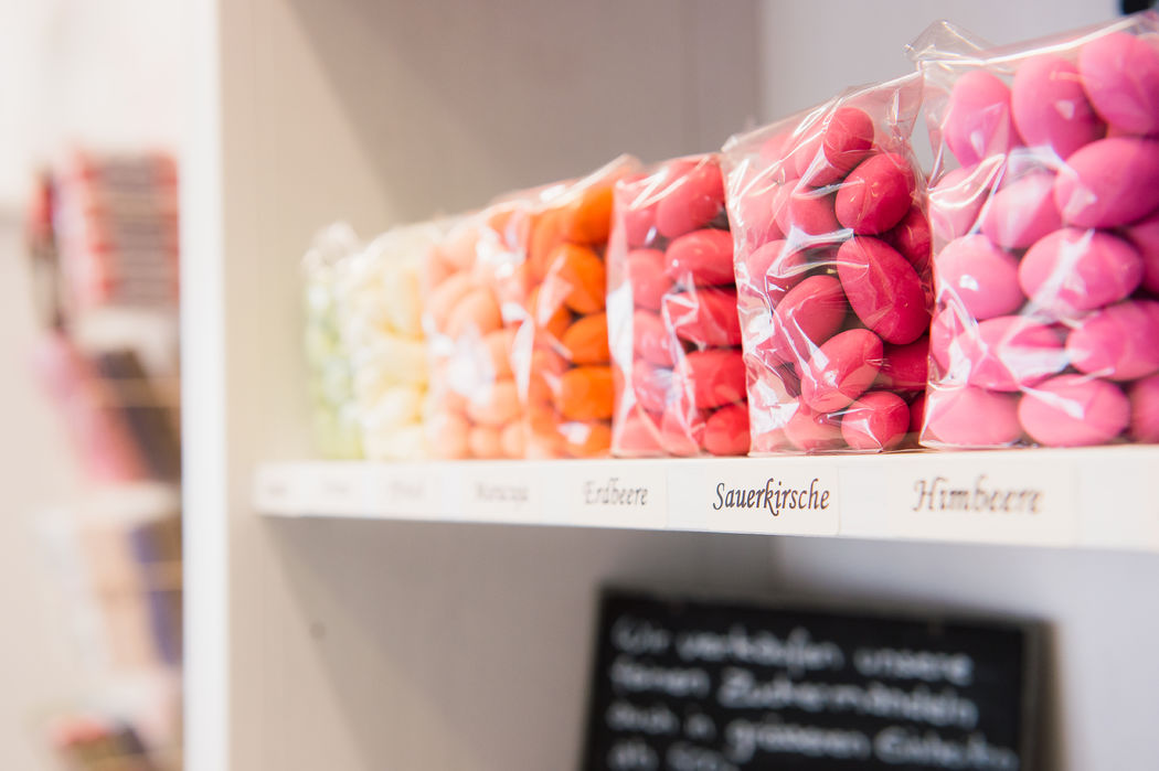 Wir führen ein grosses Sortiment an Zuckermandeln, klassisch oder mit Joghurt- oder Schokoladen-Mantel