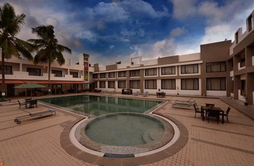 Lords Hotel & Resort