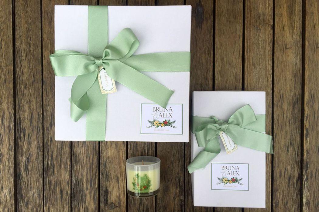 Bruna e Alex - Convite especial para madrinhas e padrinhos (caixas personalizadas com presentes)