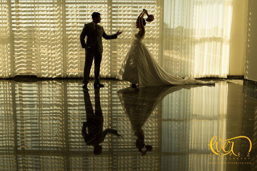 Fotos de boda dentro del lobby del hotel Grand Mayan San Jose del Cabo, Baja California Sur, Mexico  Fotografia de boda por fotografo profesional de bodas Ever Lopez