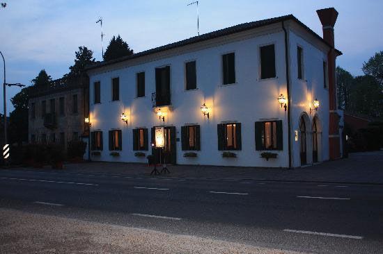 Alla Villa Fini
