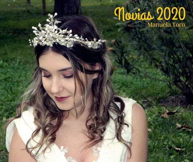 Manuela Toro Tocados
