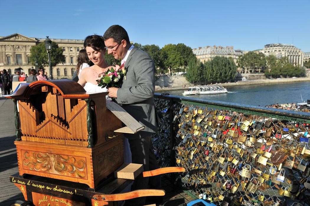 Mariage d'exception sur le Pont des Arts - Paris