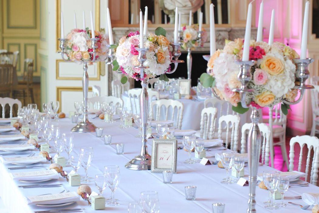 Boule de fleurs sur chandelier